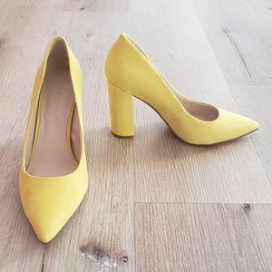 NWOT Nine West Yellow Chunky Heels